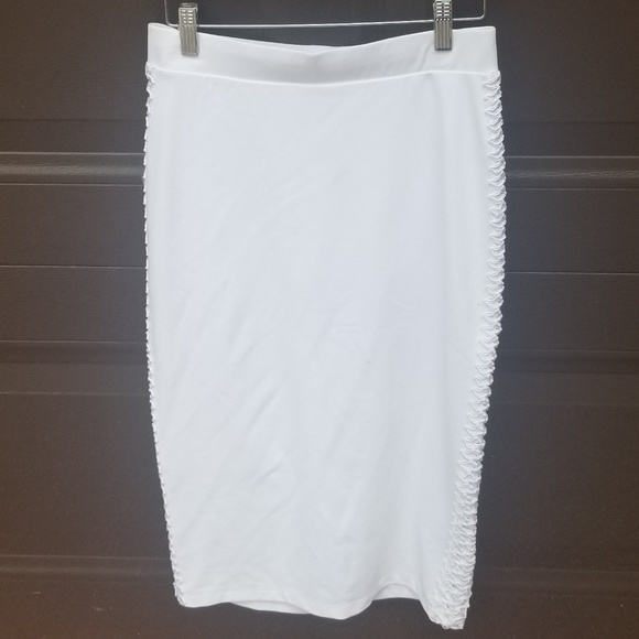bebe Dresses & Skirts - Bebe  White Pencil Skirt Woven Detail On Sides NWT